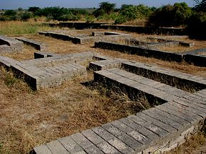 290px-archeological_remains_at_the_lower_town_of_lothal1