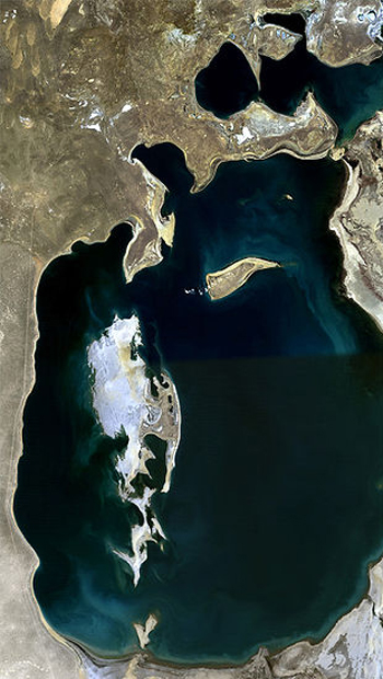 Aral Sea, 1989 / Changing Planet.org